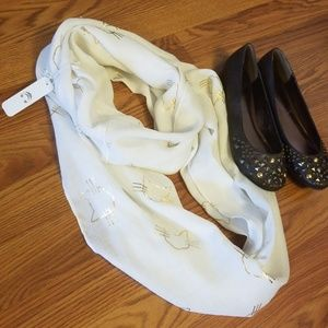 💓BUNDLE ONLY💓 White & Gold Cat Infinity Scarf